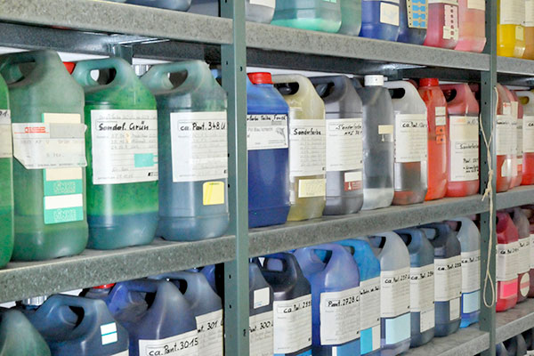 diversity of label printing colours at eXta4 Labelling Systems
